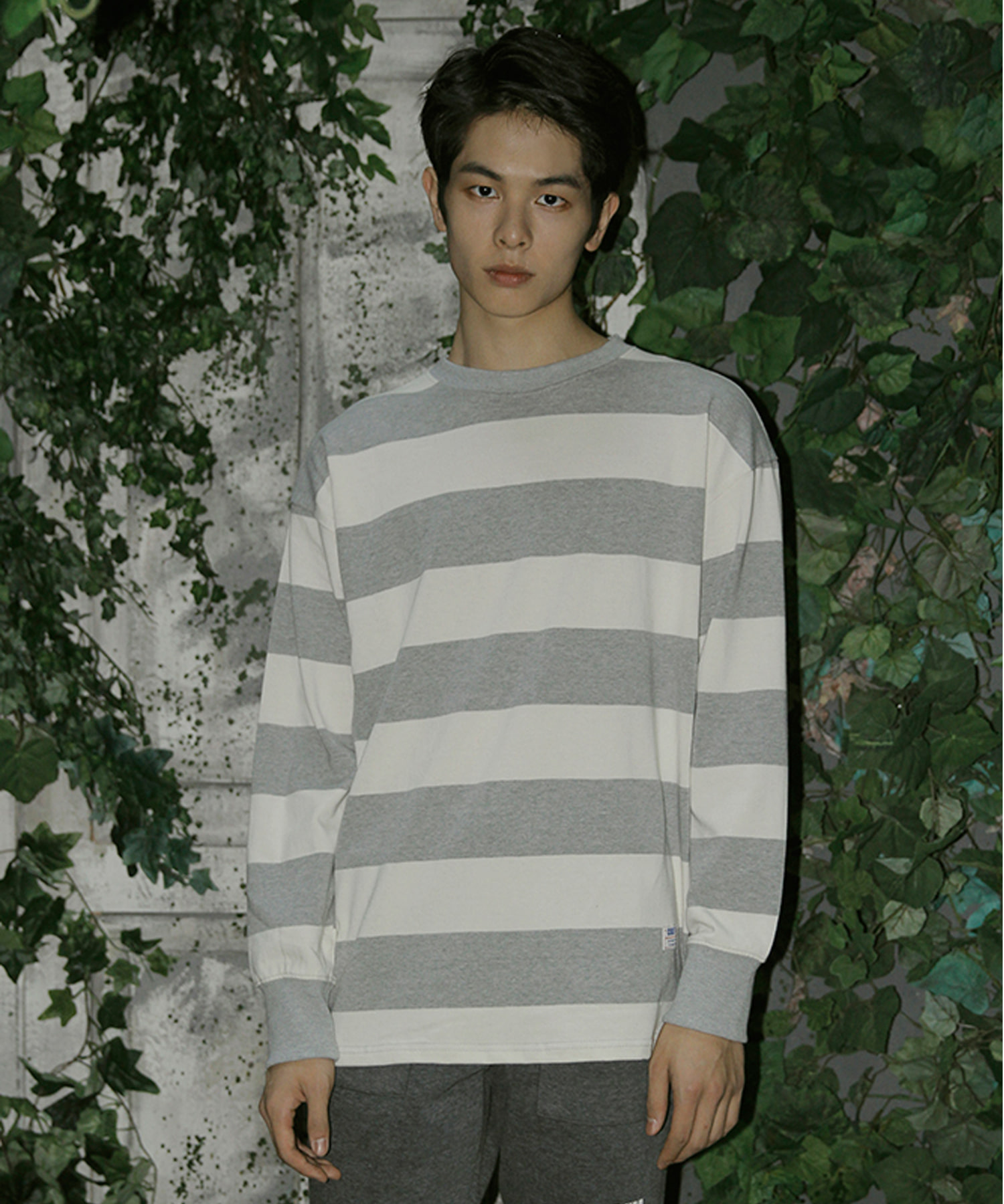 BIG STRIPE CREW NECK GREY