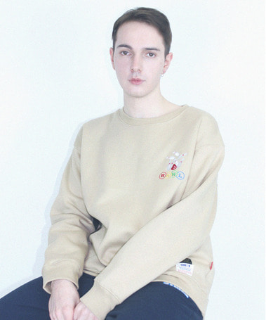 Bowl Napping Over Fit Crew Neck Beige